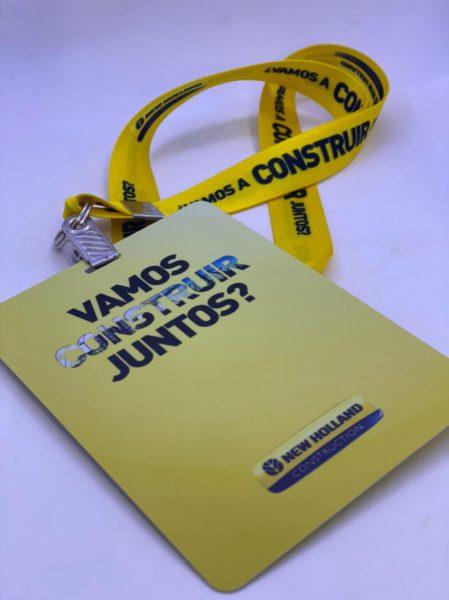 Crachá em PVC e cordões personalizados mondial-id